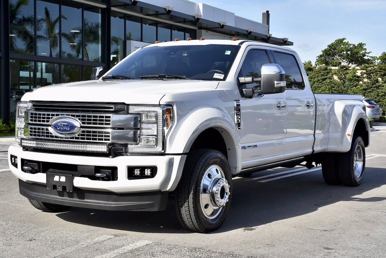 Pre-Owned 2017 Ford F-450SD